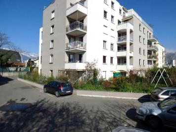 Appartement Grenoble &bull; <span class='offer-area-number'>77</span> m² environ &bull; <span class='offer-rooms-number'>4</span> pièces