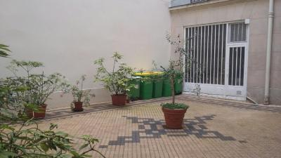 Appartement Paris 17 &bull; <span class='offer-area-number'>9</span> m² environ