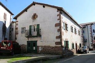 Maison Ainhoa &bull; <span class='offer-area-number'>420</span> m² environ &bull; <span class='offer-rooms-number'>8</span> pièces