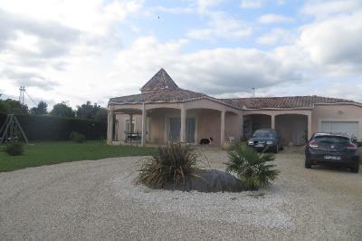 Maison Montauban &bull; <span class='offer-area-number'>175</span> m² environ &bull; <span class='offer-rooms-number'>5</span> pièces