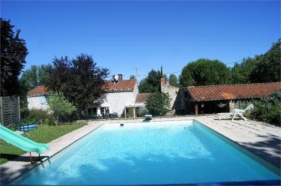 Maison St Etienne du Bois &bull; <span class='offer-area-number'>170</span> m² environ &bull; <span class='offer-rooms-number'>6</span> pièces