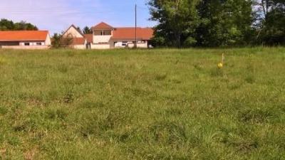 Terrain Cognat Lyonne &bull; <span class='offer-area-number'>6 637</span> m² environ