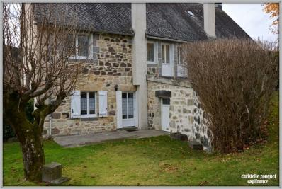 Maison La Bourboule &bull; <span class='offer-area-number'>210</span> m² environ &bull; <span class='offer-rooms-number'>13</span> pièces