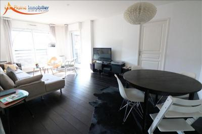 Appartement La Plaine St Denis &bull; <span class='offer-area-number'>81</span> m² environ &bull; <span class='offer-rooms-number'>4</span> pièces