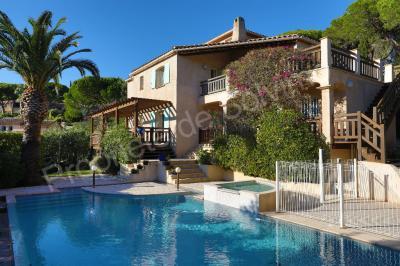 Maison Ste Maxime &bull; <span class='offer-area-number'>175</span> m² environ &bull; <span class='offer-rooms-number'>7</span> pièces