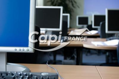 Bureau Le Mans &bull; <span class='offer-area-number'>100</span> m² environ &bull; <span class='offer-rooms-number'>4</span> pièces