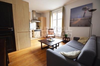 Appartement Paris 08 &bull; <span class='offer-area-number'>31</span> m² environ &bull; <span class='offer-rooms-number'>2</span> pièces