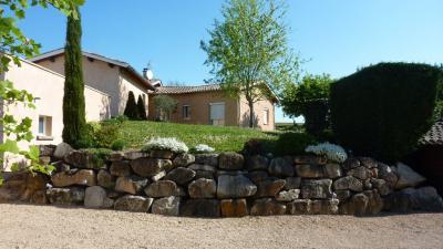 Maison Belleville &bull; <span class='offer-area-number'>178</span> m² environ &bull; <span class='offer-rooms-number'>7</span> pièces