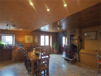 Maison Villard sur Doron &bull; <span class='offer-area-number'>134</span> m² environ &bull; <span class='offer-rooms-number'>6</span> pièces