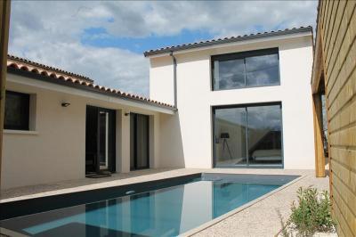 Maison Sauternes &bull; <span class='offer-area-number'>185</span> m² environ &bull; <span class='offer-rooms-number'>5</span> pièces