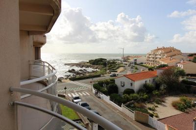 Appartement Les Sables D Olonne &bull; <span class='offer-area-number'>24</span> m² environ &bull; <span class='offer-rooms-number'>1</span> pièce