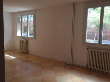 Appartement Carcassonne &bull; <span class='offer-area-number'>82</span> m² environ &bull; <span class='offer-rooms-number'>4</span> pièces