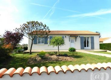 Maison La Villedieu du Clain &bull; <span class='offer-area-number'>90</span> m² environ &bull; <span class='offer-rooms-number'>4</span> pièces