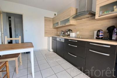 Appartement St Just St Rambert &bull; <span class='offer-area-number'>77</span> m² environ &bull; <span class='offer-rooms-number'>4</span> pièces