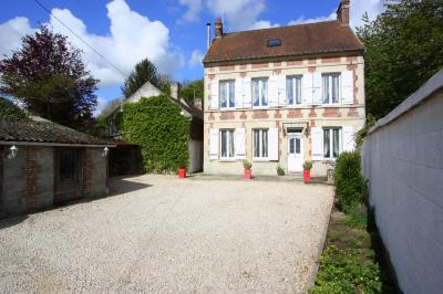 Maison Puiseux le Hauberger &bull; <span class='offer-area-number'>153</span> m² environ &bull; <span class='offer-rooms-number'>6</span> pièces