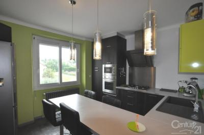 Appartement Onet le Chateau &bull; <span class='offer-area-number'>73</span> m² environ &bull; <span class='offer-rooms-number'>3</span> pièces