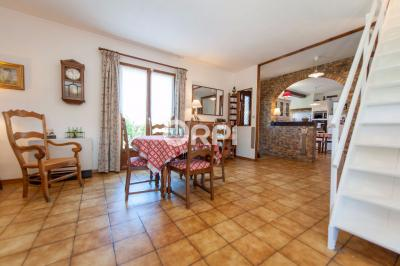 Maison Quesnoy sur Deule &bull; <span class='offer-area-number'>103</span> m² environ &bull; <span class='offer-rooms-number'>6</span> pièces