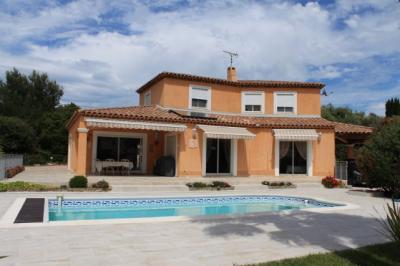 Villa St Cyr sur Mer &bull; <span class='offer-area-number'>180</span> m² environ &bull; <span class='offer-rooms-number'>5</span> pièces