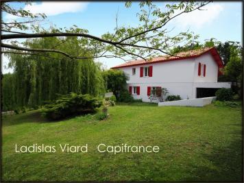 Maison Arbonne &bull; <span class='offer-area-number'>150</span> m² environ &bull; <span class='offer-rooms-number'>6</span> pièces