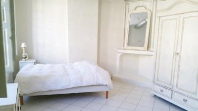 Appartement Villeneuve les Avignon &bull; <span class='offer-area-number'>34</span> m² environ &bull; <span class='offer-rooms-number'>1</span> pièce