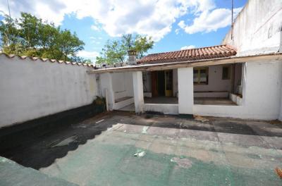 Maison St Bonnet du Gard &bull; <span class='offer-area-number'>230</span> m² environ &bull; <span class='offer-rooms-number'>7</span> pièces