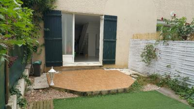 Maison Plaisir &bull; <span class='offer-area-number'>68</span> m² environ &bull; <span class='offer-rooms-number'>4</span> pièces