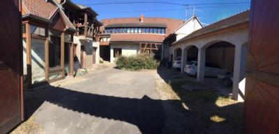 Maison Holtzheim &bull; <span class='offer-area-number'>225</span> m² environ &bull; <span class='offer-rooms-number'>8</span> pièces