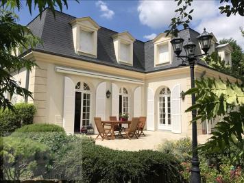 Maison Enghien les Bains &bull; <span class='offer-area-number'>306</span> m² environ &bull; <span class='offer-rooms-number'>7</span> pièces