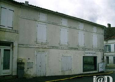 Immeuble Brizambourg &bull; <span class='offer-area-number'>111</span> m² environ &bull; <span class='offer-rooms-number'>4</span> pièces
