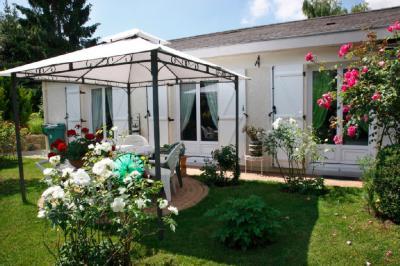 Maison Mantes la Ville &bull; <span class='offer-area-number'>95</span> m² environ &bull; <span class='offer-rooms-number'>4</span> pièces
