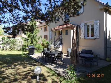 Maison Longeville les Metz &bull; <span class='offer-area-number'>173</span> m² environ &bull; <span class='offer-rooms-number'>8</span> pièces