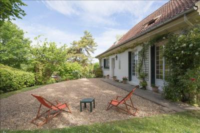 Maison Le Pecq &bull; <span class='offer-area-number'>219</span> m² environ &bull; <span class='offer-rooms-number'>9</span> pièces
