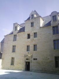 Appartement Quimper &bull; <span class='offer-area-number'>105</span> m² environ &bull; <span class='offer-rooms-number'>4</span> pièces