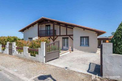 Maison Mont de Marsan &bull; <span class='offer-area-number'>160</span> m² environ &bull; <span class='offer-rooms-number'>6</span> pièces