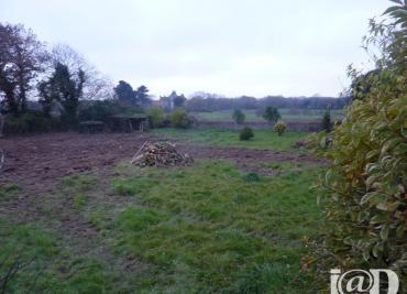 Terrain Plouneventer &bull; <span class='offer-area-number'>726</span> m² environ