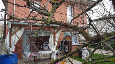 Maison Mantes la Jolie &bull; <span class='offer-area-number'>93</span> m² environ &bull; <span class='offer-rooms-number'>5</span> pièces