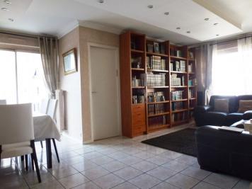 Appartement Paris 19 &bull; <span class='offer-area-number'>90</span> m² environ &bull; <span class='offer-rooms-number'>4</span> pièces