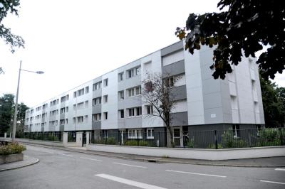 Appartement Cleon &bull; <span class='offer-area-number'>76</span> m² environ &bull; <span class='offer-rooms-number'>4</span> pièces