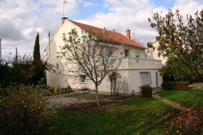 Maison Bellerive sur Allier &bull; <span class='offer-area-number'>93</span> m² environ &bull; <span class='offer-rooms-number'>4</span> pièces