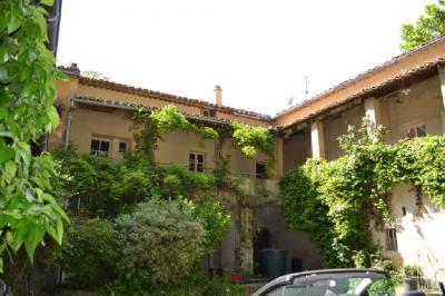 Maison Bagnols sur Ceze &bull; <span class='offer-area-number'>200</span> m² environ &bull; <span class='offer-rooms-number'>14</span> pièces