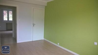 Appartement Unieux &bull; <span class='offer-area-number'>86</span> m² environ &bull; <span class='offer-rooms-number'>4</span> pièces