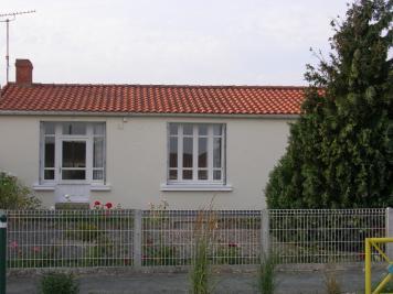 Maison St Michel en l Herm &bull; <span class='offer-area-number'>86</span> m² environ &bull; <span class='offer-rooms-number'>5</span> pièces