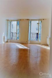 Appartement Versailles &bull; <span class='offer-area-number'>38</span> m² environ &bull; <span class='offer-rooms-number'>1</span> pièce
