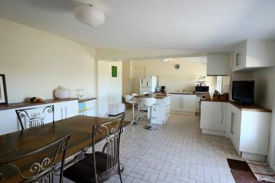 Maison St Estephe &bull; <span class='offer-area-number'>161</span> m² environ &bull; <span class='offer-rooms-number'>4</span> pièces