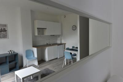 Appartement Lyon 08 &bull; <span class='offer-area-number'>22</span> m² environ &bull; <span class='offer-rooms-number'>1</span> pièce