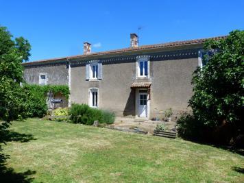 Maison St Pierre le Vieux &bull; <span class='offer-area-number'>100</span> m² environ &bull; <span class='offer-rooms-number'>7</span> pièces