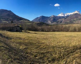 Terrain La Roche des Arnauds &bull; <span class='offer-area-number'>1 500</span> m² environ