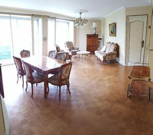 Appartement Bourg la Reine &bull; <span class='offer-area-number'>101</span> m² environ &bull; <span class='offer-rooms-number'>5</span> pièces