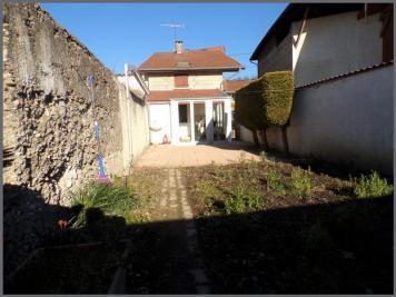 Maison La Cote St Andre &bull; <span class='offer-area-number'>72</span> m² environ &bull; <span class='offer-rooms-number'>5</span> pièces