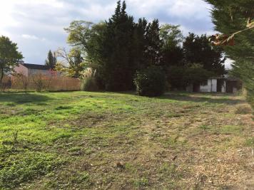 Terrain Chalette sur Loing &bull; <span class='offer-area-number'>792</span> m² environ